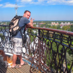 Бигль на колокольне кремля Вологды