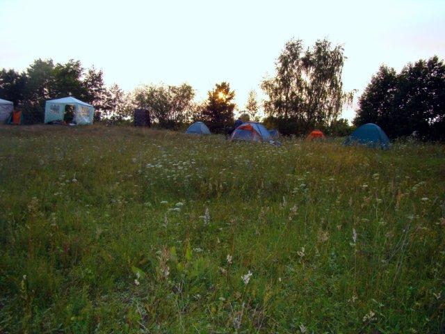 Палаточный дрессировочный лагерь под на острове (Сельская Маза)
