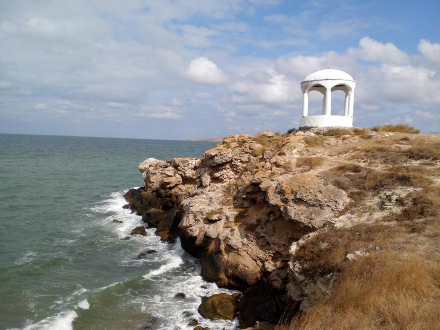 Беседка в Щелкино Крыма