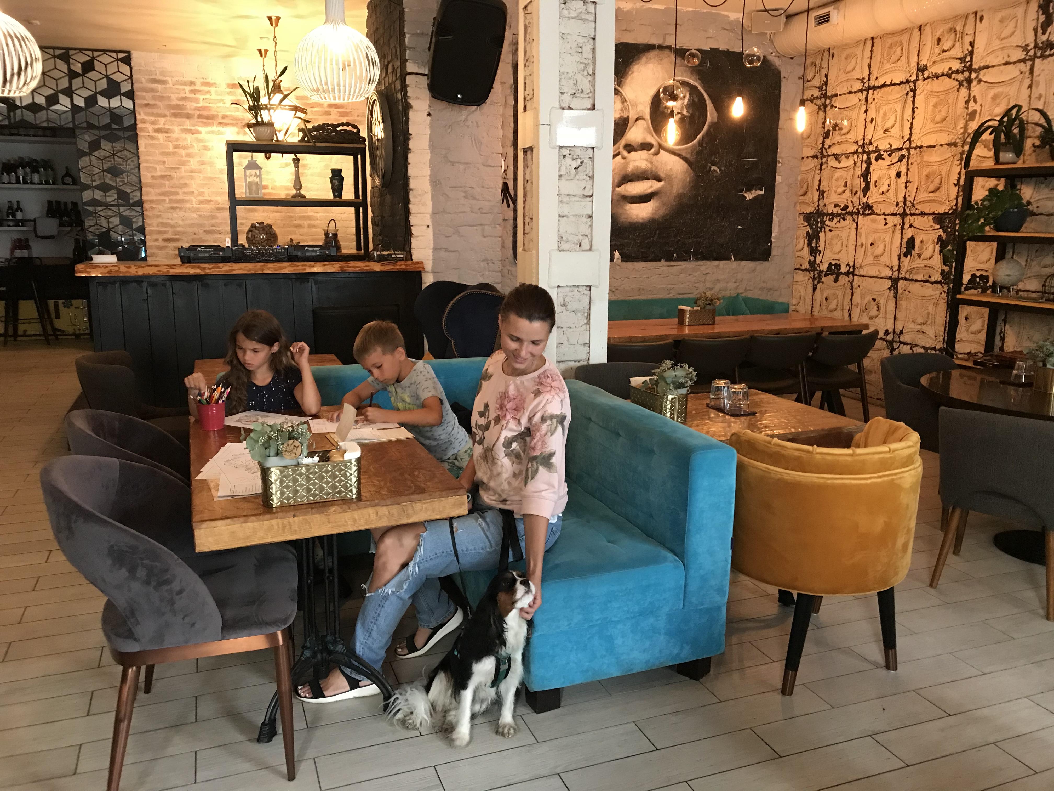 Just Bar and Kitchen на ул. Пушкинская,  1 (Бары)