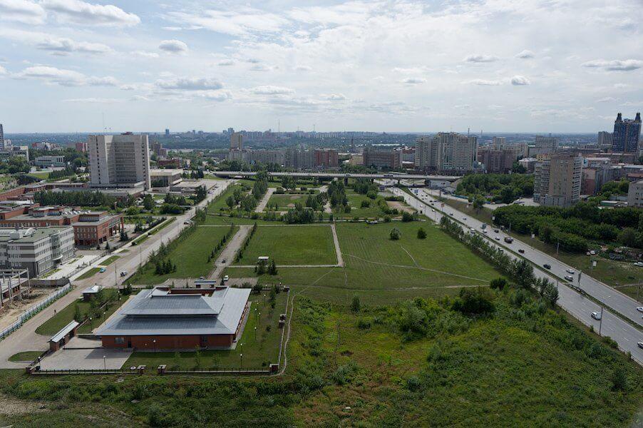 Аллея Городов на ул. Шевченко,  28 корпус 1,  Новосибирск (Парки)