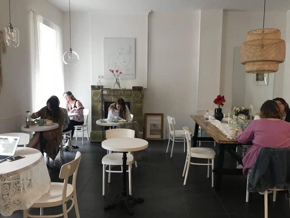 Кафе Doris local в Санкт-Петербурге на Невском