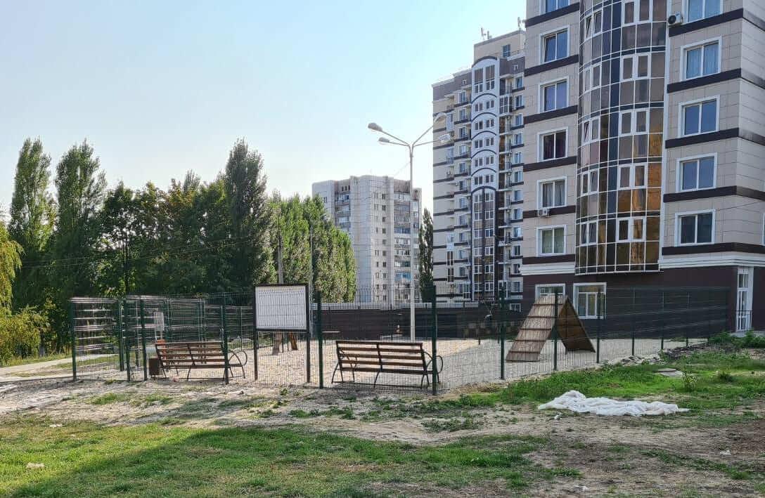Управа №9 «Космос» на пр. Ватутина,  16б,  Белгород (Площадки для собак)