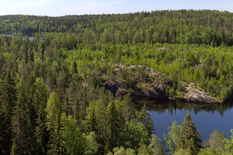 Треугольное озеро у Светогорска на  (Озёра и карьеры)
